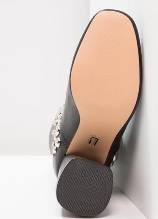 Просто нереально крутые ботинки от lost ink 🖤3