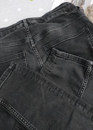 Черные джинсы с высокой посадкой4