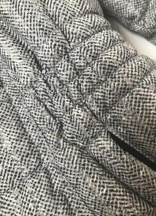 Непромокаемая тёплая осенняя зимняя демисезонная спортивная куртка с капюшоном скрытым5