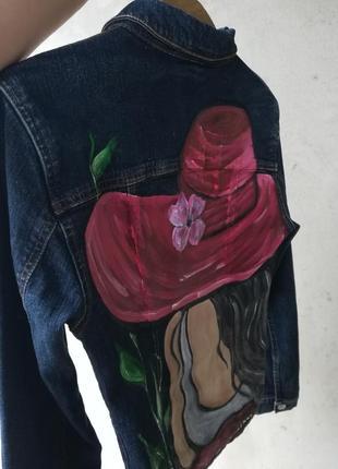 Джинсовый пиджак производства италии с рисунком2