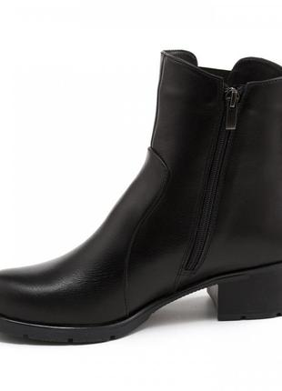 Женские черные ботинки на небольшом каблуке2