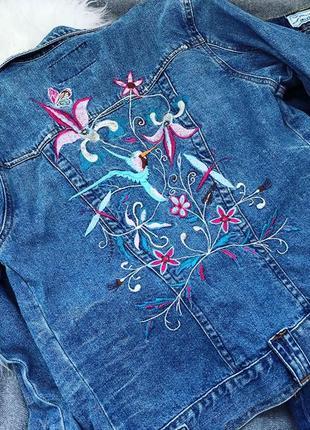 Крута джинсова курточка з вишивкою  e vei- розмір на бірці 104