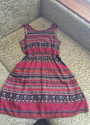 Яркое легкое платье1