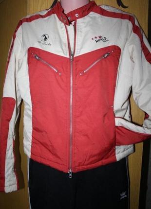 Стильная молодежная куртка, s