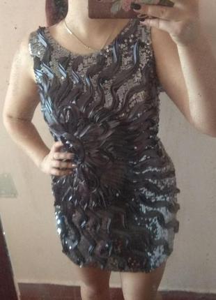 Красивое короткое вечернее платье с пайетками1