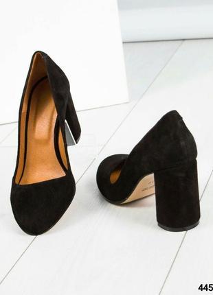 Замшевые туфли устойчивом каблуке рр. 395