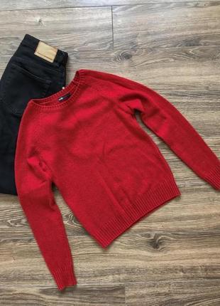 Красный свитер1