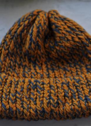 Теплая зимняя вязаная шапка1