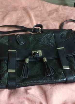 Женская сумочка clarks с анималистичным принтом под змеиную кожу4