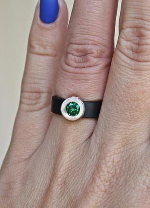 Каучуковое серебряное кольцо с золотом капля зеленое (р16,5-17) родированое3