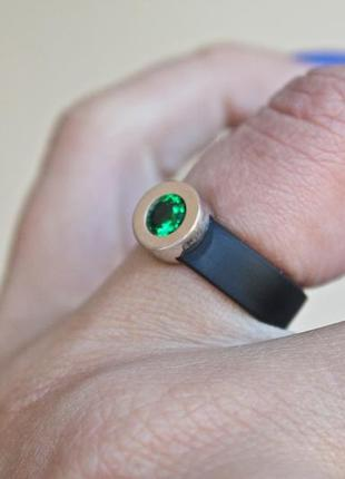 Каучуковое серебряное кольцо с золотом капля зеленое (р16,5-17) родированое4