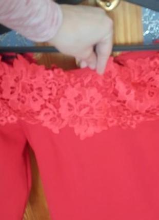 Шикарне плаття з відкритими плечима4