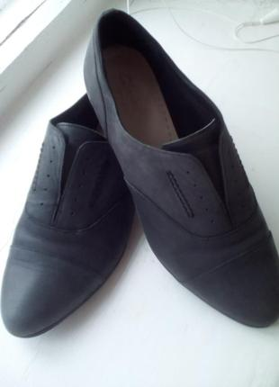 Стильные фирменные туфли демисезон 38 р1