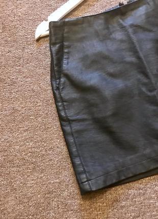 Мини юбка кожаная с карманами  asos рр 362