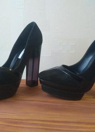 Стильные итальянские туфли pollini с прозрачным каблуком2