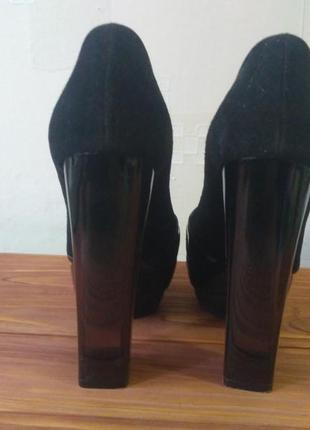 Стильные итальянские туфли pollini с прозрачным каблуком3