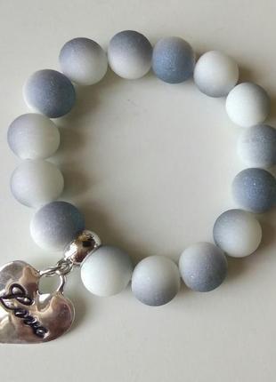 Браслет с сердечком белый серый серебряный4