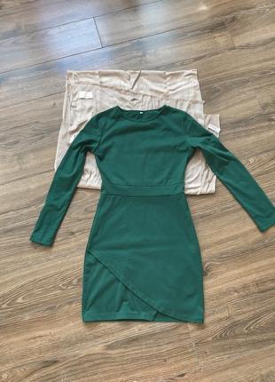 Милое зеленое платье