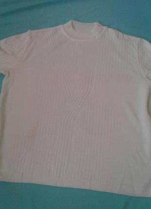 Белый свитер р. 245