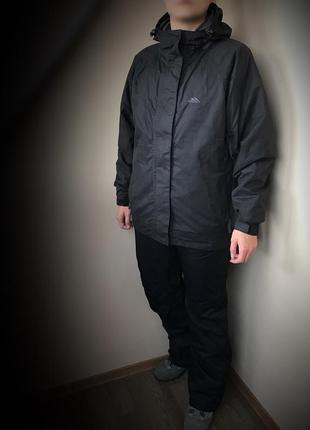 Треккиговая, лыжная куртка ( костюм) trespass waterproof 2.000 (l)2