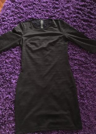 Ідеальне чорне плаття з оригінальною спиною, розмір м1