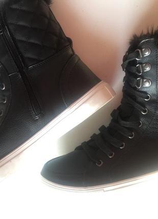 Высокие ботинки утеплённые на меху (шнуровка и молния) 39р1