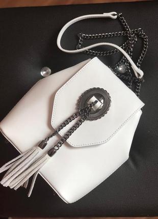 Стильная сумочка в белом цвете1