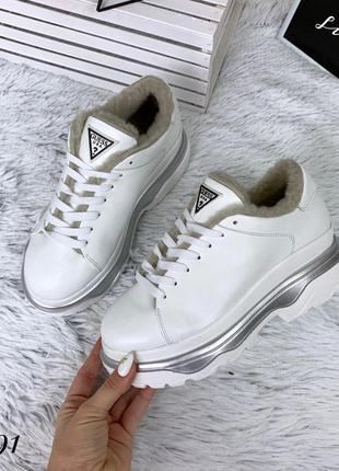 Кожаные зимние кроссовки в стиле guess. 36-401