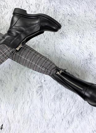 Кожаные зимние сапоги ботинки с щаклепками и молнией спереди. 36-405