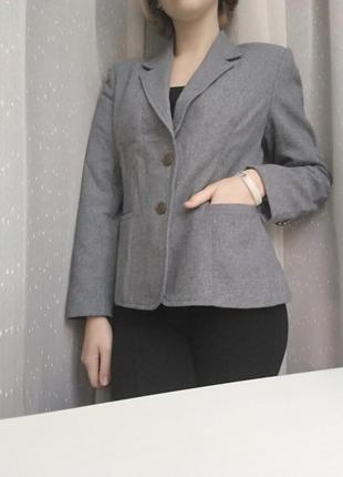 Шикарный теплый серый пиджак