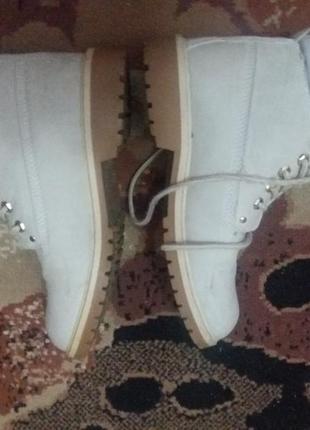 Ботинки жен.эко-кожа,стелька 26.5см. р.41 цвет светлый бело-серый .цена 250грн.5