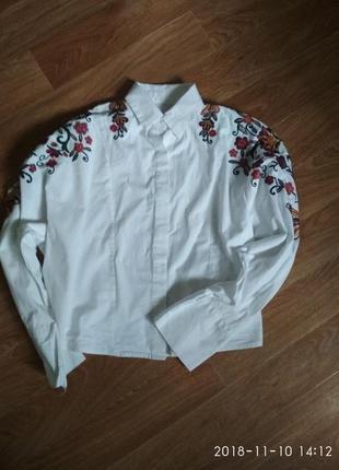 Укороченная рубашка с вышивкой1