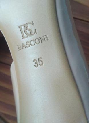 Актуальные лаковые лодочки basconi с косметическим дефектом3
