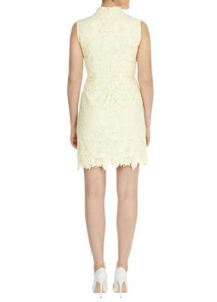 Красивое кружевное платье лимонного цвета2