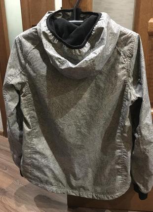 Классная спортивная куртка2