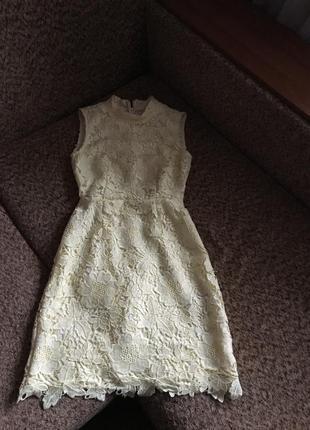 Красивое кружевное платье лимонного цвета4