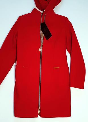 Стильное, теплое пальто