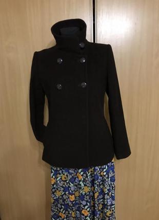 Мягкое короткое пальто шоколадного цвета1