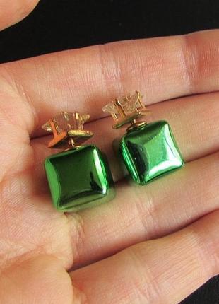 Красивые серьги шарики-кубики пуссеты с кристаллами, новые! арт.81902