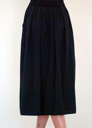 Новая чёрная юбка миди с карманами плиссе на пуговичках актуальная под свитера и блузку3