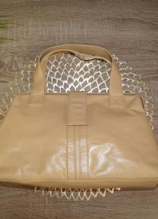 Кожа! классная и практичная сумка саквояж средних размеров