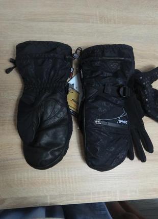 Сноубордические варежки/перчатки dakine