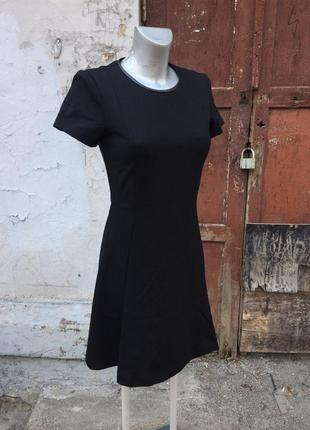 Идеальное маленькое чёрное платье от известного бренда massimo dutti отделка кожа1
