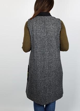 Новый жилет длинный вышивка размер м5