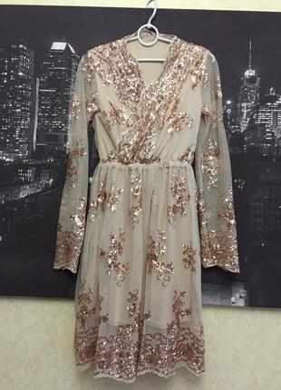 Нарядное платье с пайетками беж3