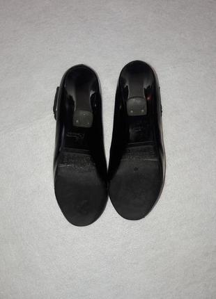 Кожаные чёрные туфли4