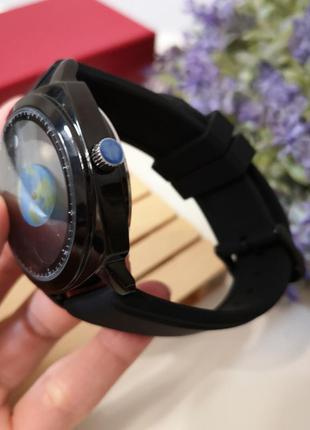 Часы с силиконовым черным ремешком4