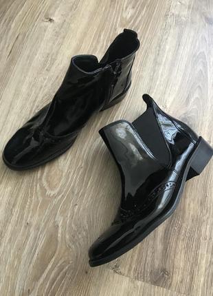 Лакові актуальні черевики2