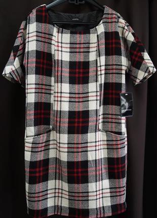 Платье в геометрический принт reserved3