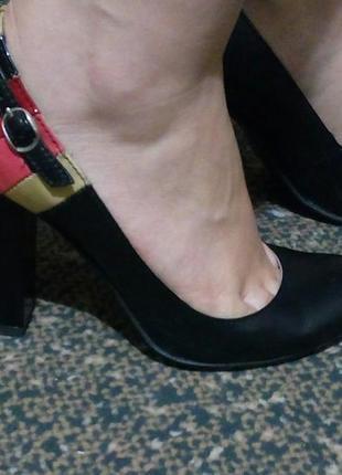 Кожаные стильные туфли на устойчивом каблуке5
